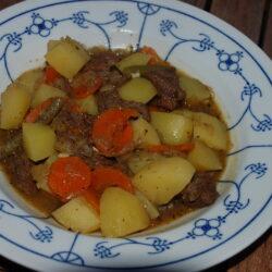 Rindfleisch-Schmortopf