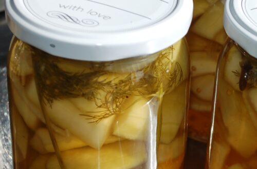 Senfgurken im Glas